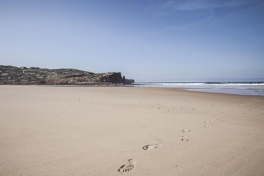 Sentiment de liberté sur la plage de Bodeira à Carrapateira