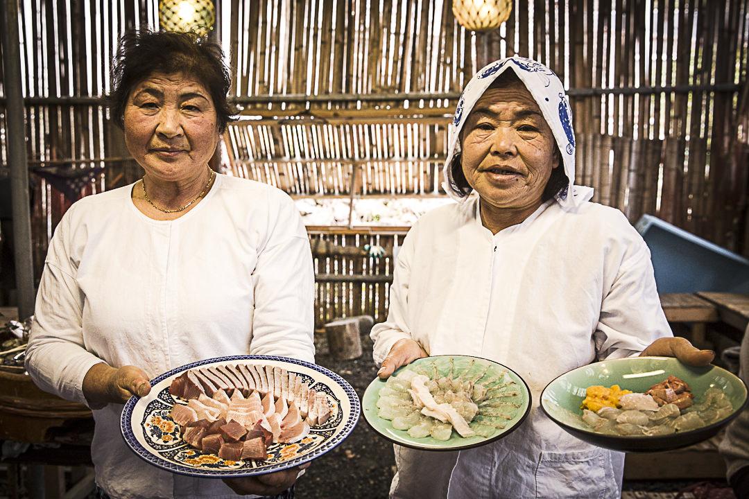 Japon rural - Le sashimi de Motoya présenté par les amas