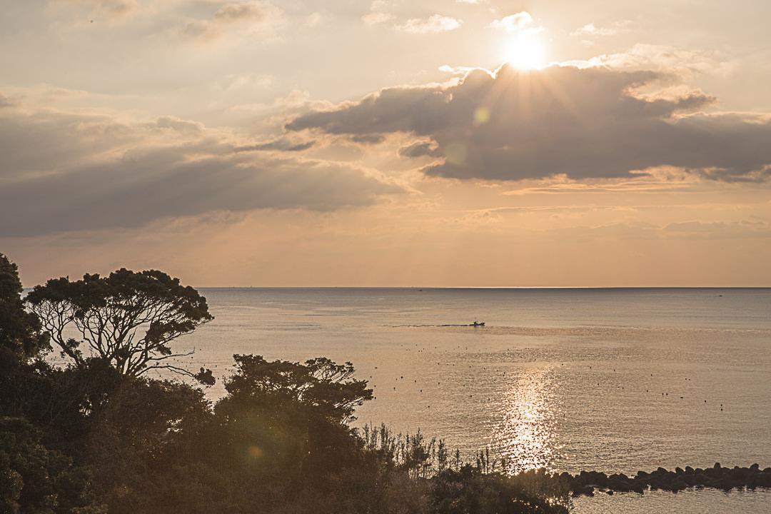 Lever de soleil sur la baie de Toshi-Jima