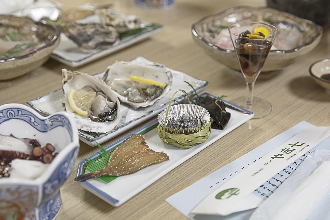 Diner de poisson au Ryaokan de Tshijima