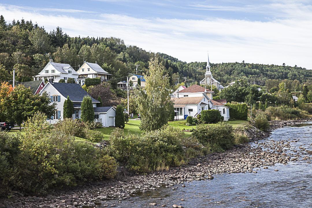 La rivière à saumon l'anse saint Jean Québec