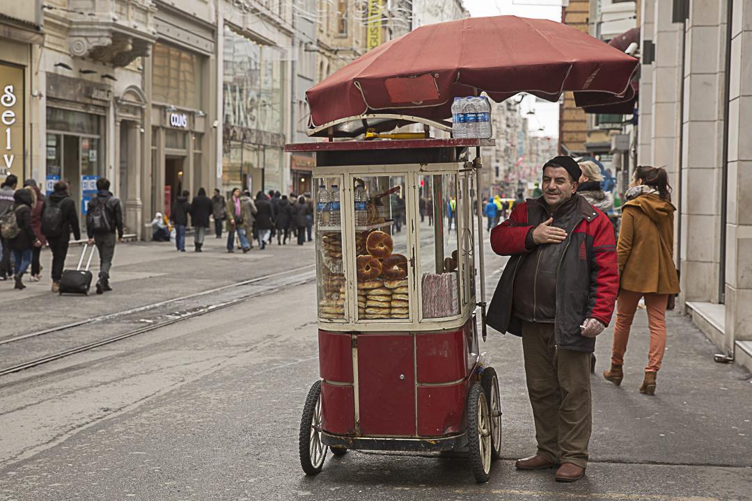 Vendeur de pain sur Istiklal, Istanbul