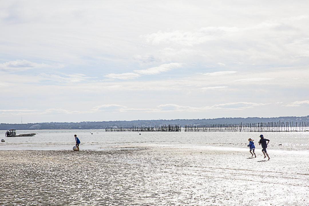 les enfants sur la plage
