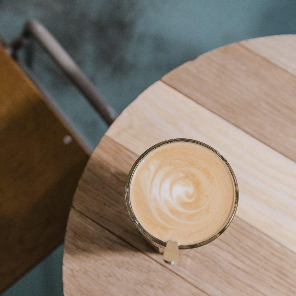 Café latte du Buna Café Graz