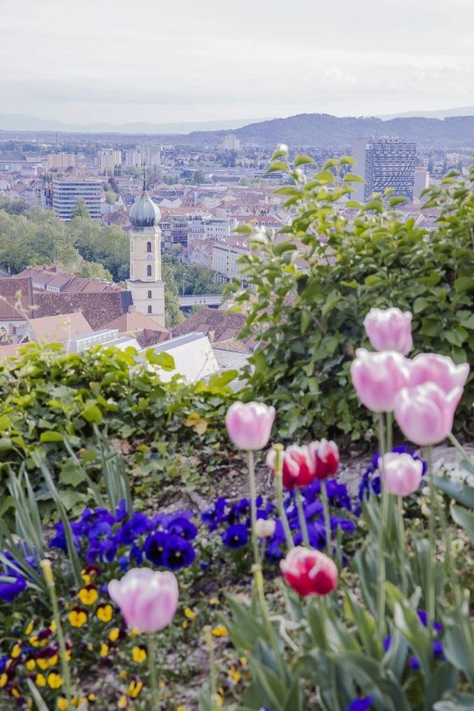 Vue fleurie sur Graz, Autriche