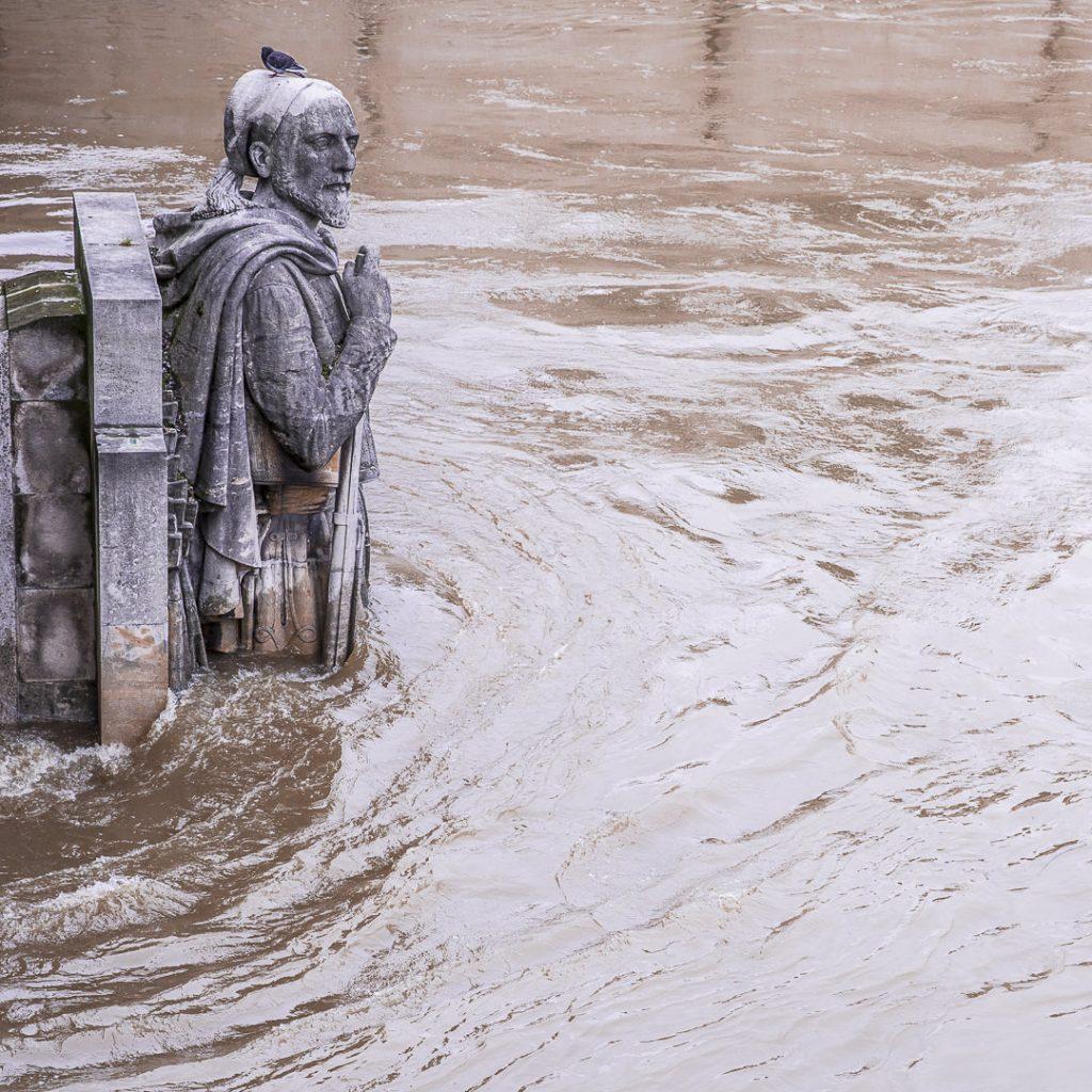 Inondations de Paris 2016 - le Zouave du pont de l'Alma