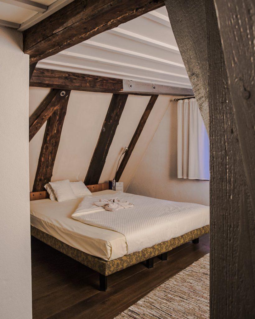 Chambre de la schiefes haus, l'hotel penché de Ulm - Allemagne