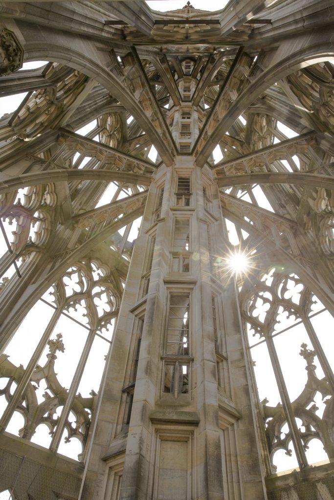 Les magnifiques escaliers de l'église de Ulm - Allemagne