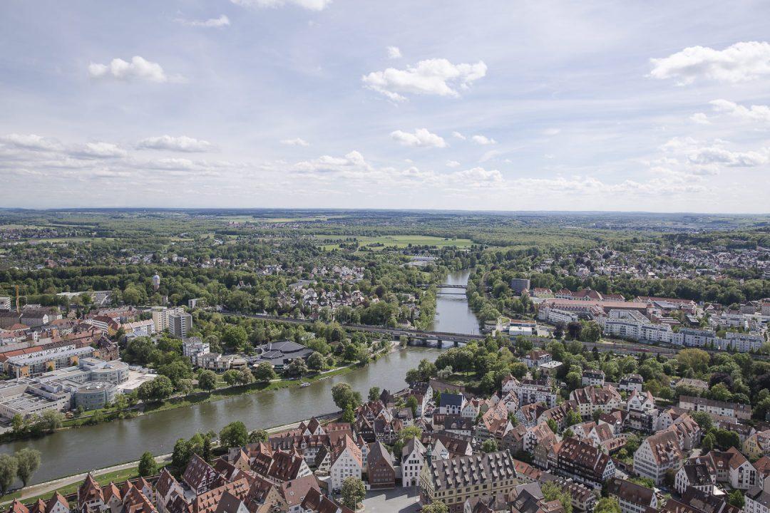 vue sur les bords du Danube depuis la flèche de la cathédrale de Ulm, Allemagne