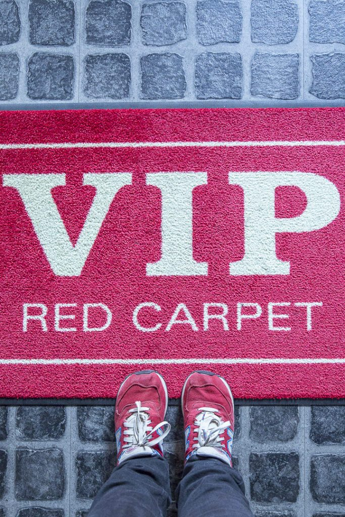 Le red carpet de l'hotel V8