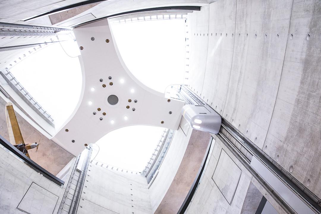 design du hall du musee mercedes Stuttgart