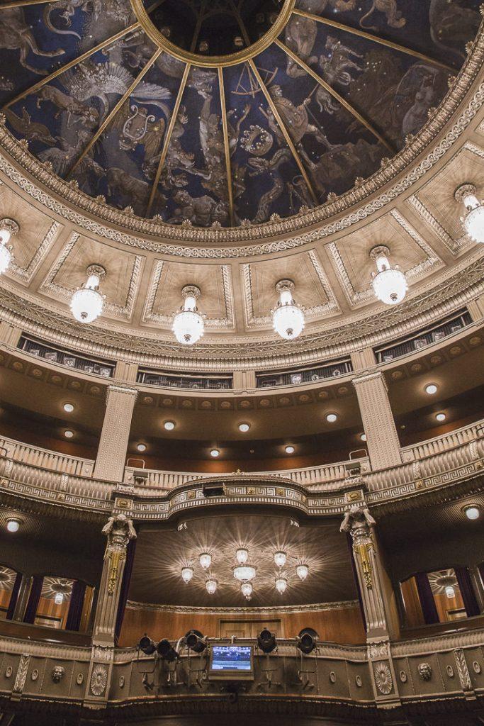 Intérieur de l'opéra de Stuttgart