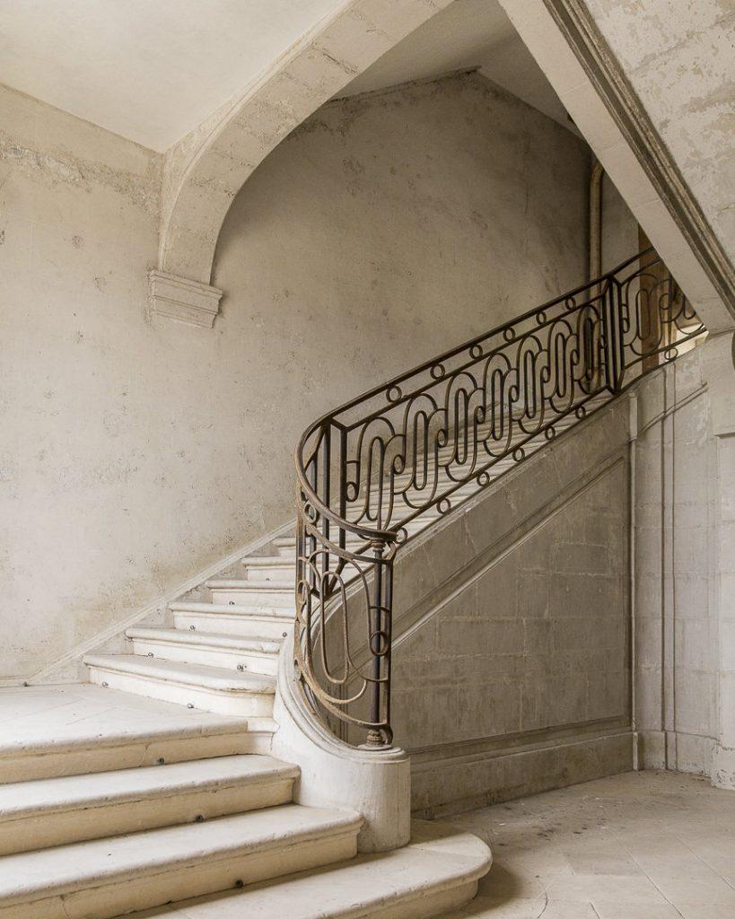 Escalier classé intérieur du chateau de Vaux en Champagne