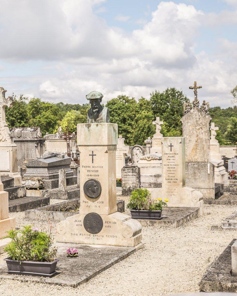 Cimetière d'Essoyes où est enterrée la famille Renoir