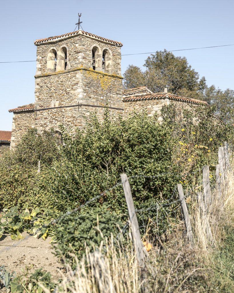Week-end dans la Loire : découverte de Sainte Croix en Jarez et la chapelle de Jurieux dans le parc naturel régional du Pilat - Loire, France