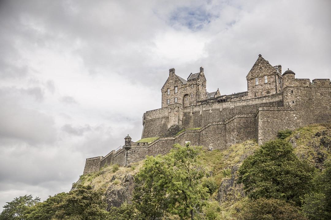 Le chateau d'Edimbourg photographié depuis Grassmarket