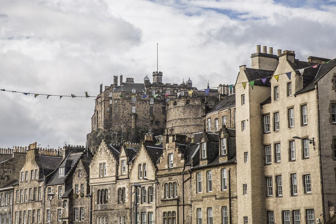 Grassmarket et le chateau d'Edimbourg - Ecosse