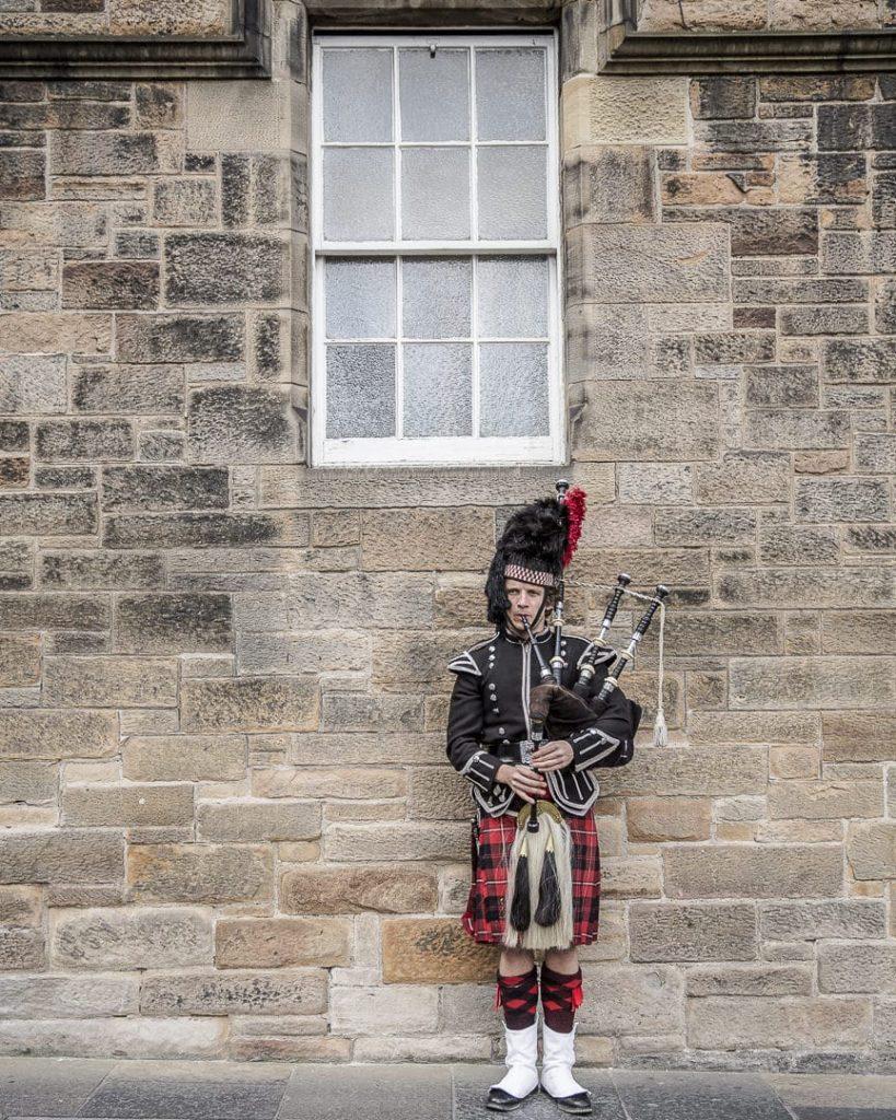 Joueur de cornemuse à Edimbourg