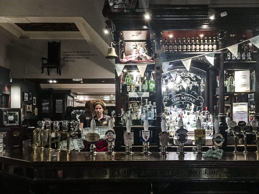 Le bar du Mitre, Edimbourg - Ecosse