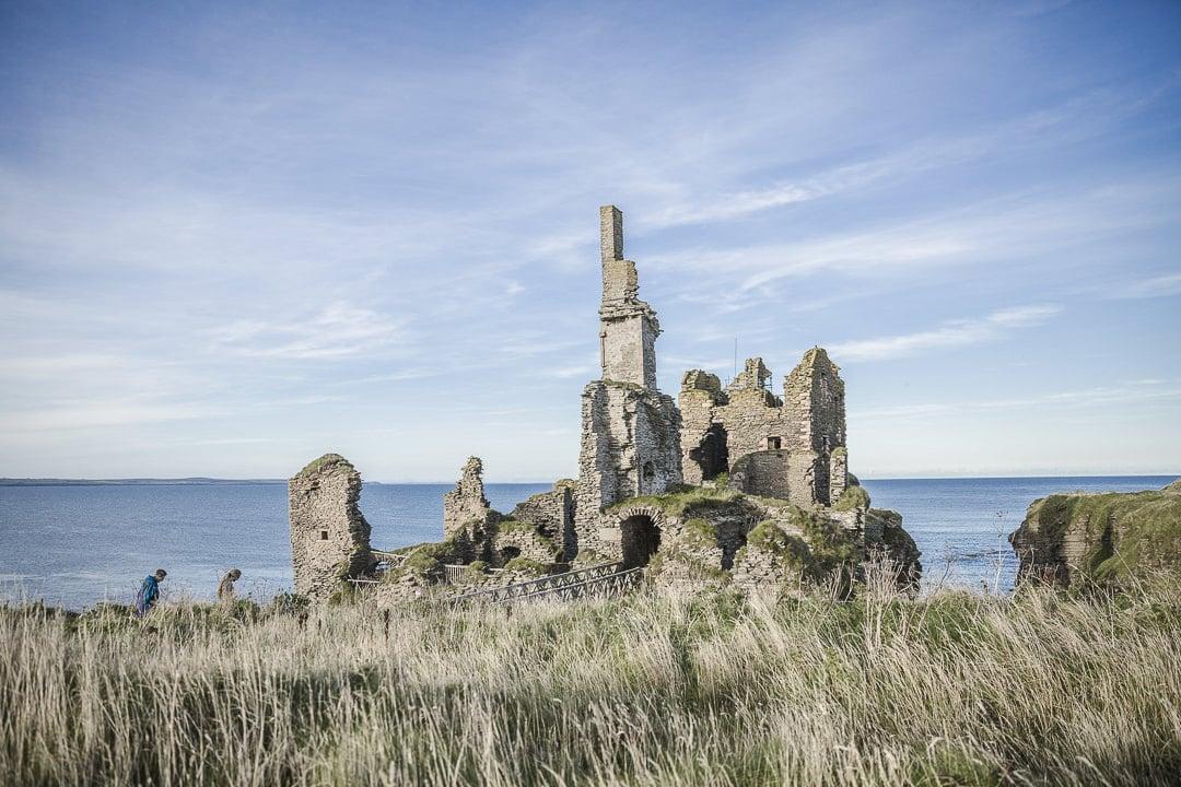 Les ruines du chateau de Sinclair Girnigoe à Wick, Ecosse