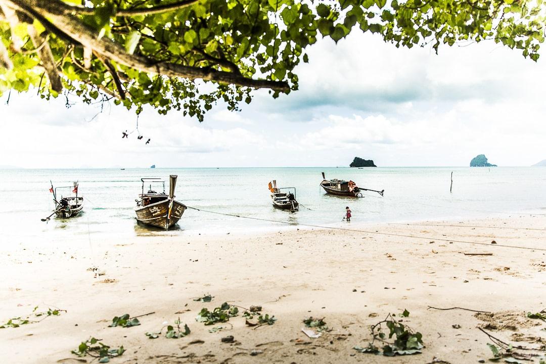 Pa Sai beach sur Koh Yao Noi, une île de la baie de Phang Nga en Thaïlande