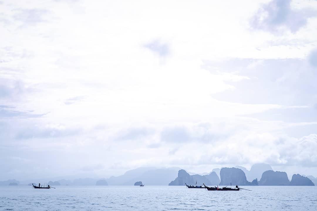 Petit matin sur la baie de Phang Nga depuis Koh Yao Noi en Thailande