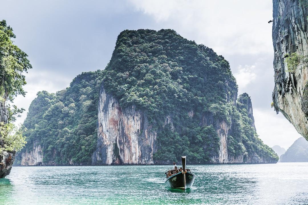 Bateau dans le baie de Koh Lao La Ding - Baie de Phang Nga Thaïlande