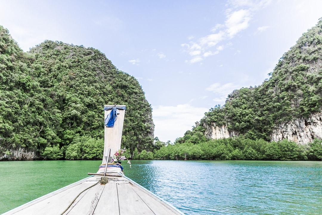 L'arrivée sur Ko Hong, un parc régional de la baie de Phang Nga, Thailande