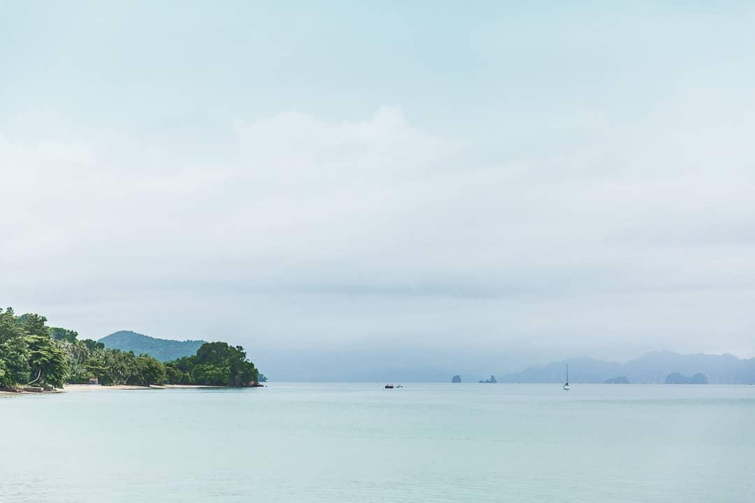 Première vue sur la baie de Phang Nga depuis Koh Yao Noi
