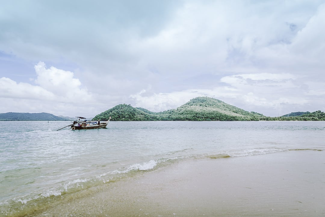 Le banc de sable de l'ile de Koh Nok dans la baie de Phang Nga, à deux pas de Koh Yao Noi - Thaïlande