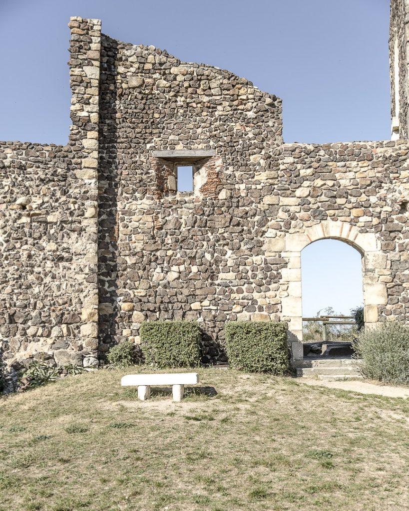 Week-end dans la Loire : les lavandes du prieuré de Saint Romain le Puy - Loire, France