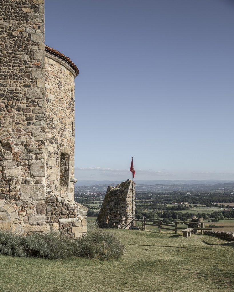 Week-end dans la Loire : vue depuis le prieuré de Saint Romain le Puy - Loire, France