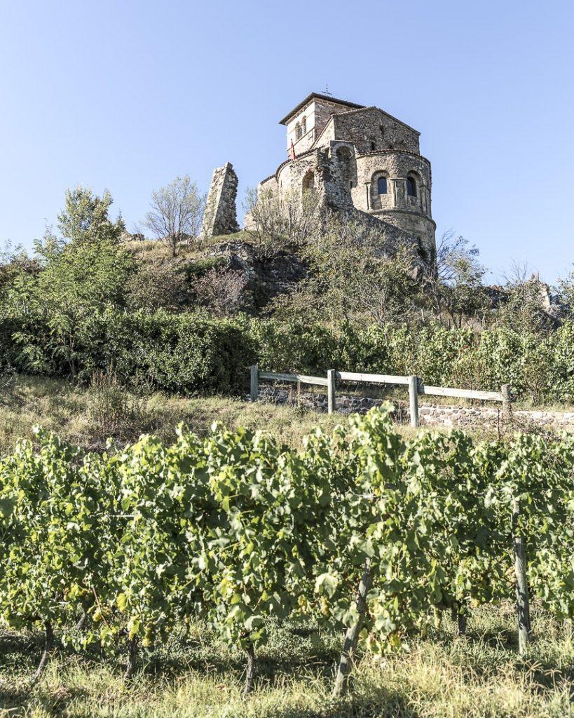 Montée vers le prieuré de Saint Romain le Puy - Loire, France