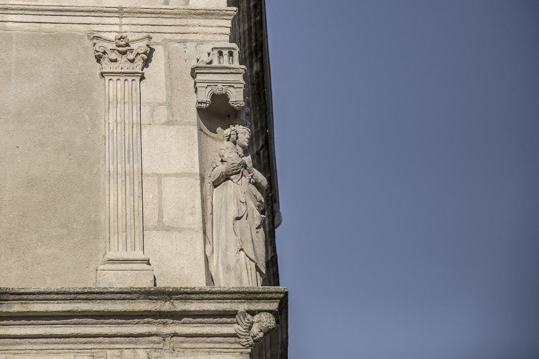 Week-end dans la Loire : détail de Saint Marcellin en Forez - Loire, France