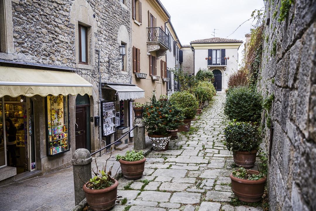 Jolie rue de Saint Marin