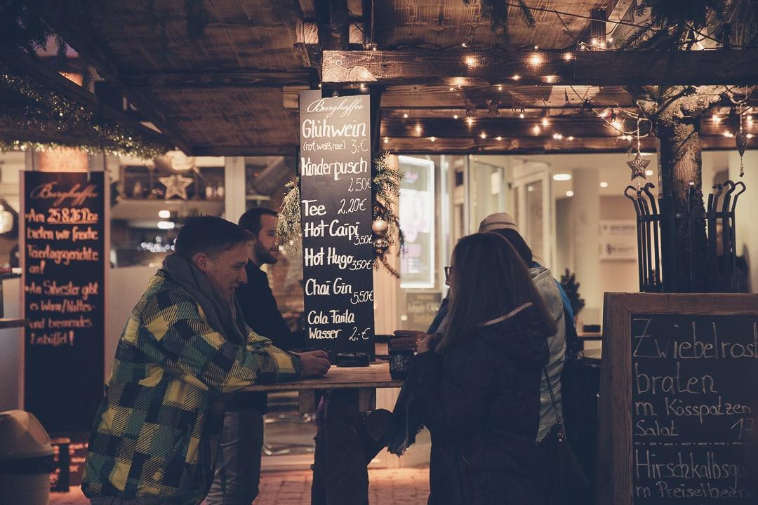 Un vin chaud sur le marché de Noël de Kempten