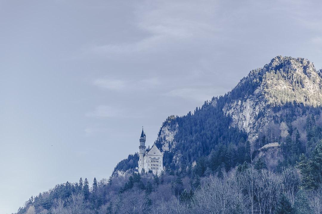 Le chateau de Neuschswanstein vue du parking de Hohenschwangau