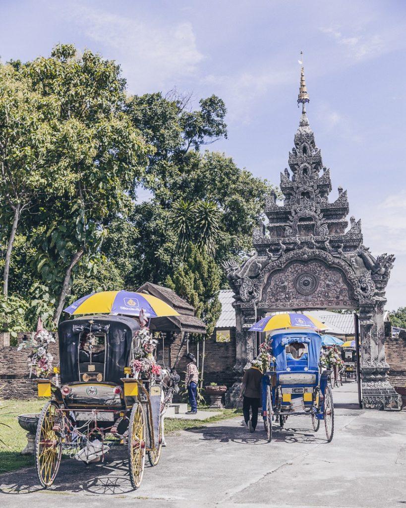 Entree du Wat Pratu Pong - visiter Lampang circuit en thailande