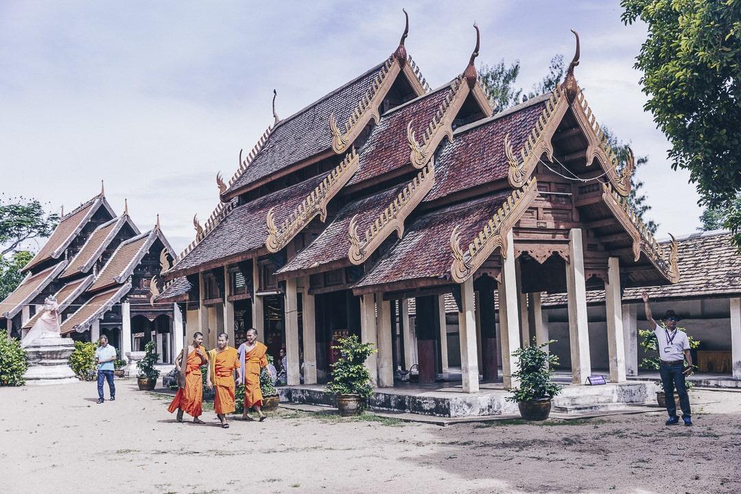 Ambiance au Wat Phra That Lampang Luang - Lampang, Thaïlande