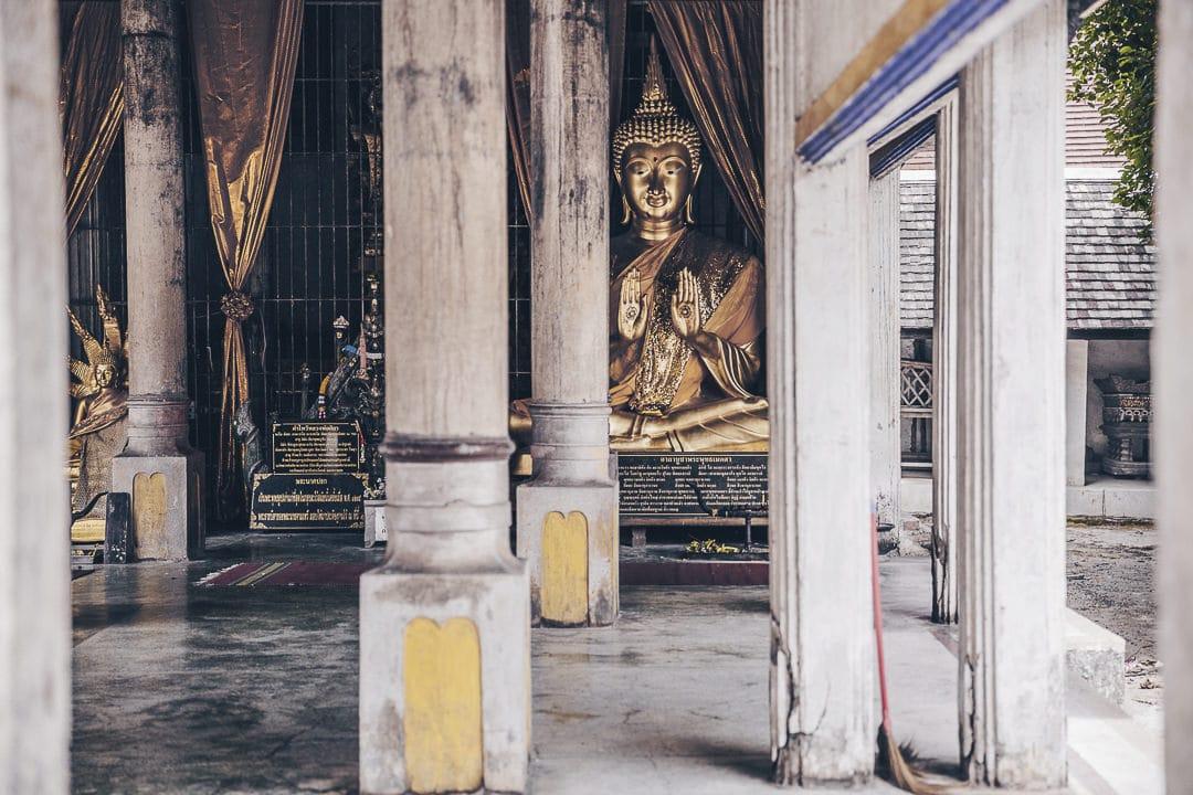 Deviner Bouddha au Wat Phra That Lampang Luang