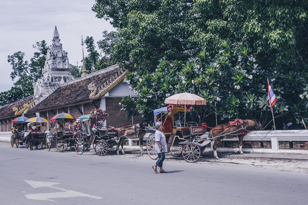 La ville de Lampang en Thaïlande est connue comme la ville des calèches