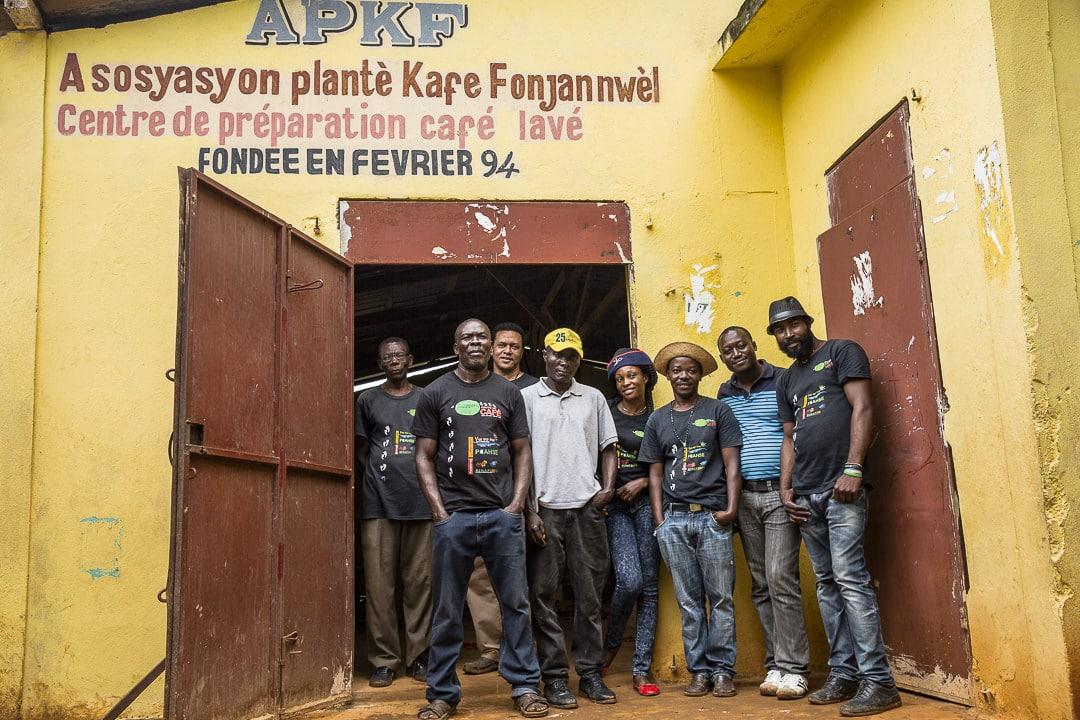 L'Equipe de l'association des producteurs de café de Fond Jean Noel sur la route du café en Haiti