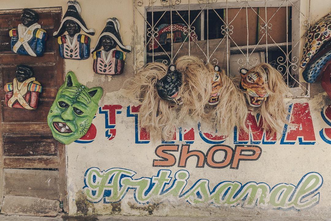 les masques en papier mâché, spécialité de Jacmel - Haïti