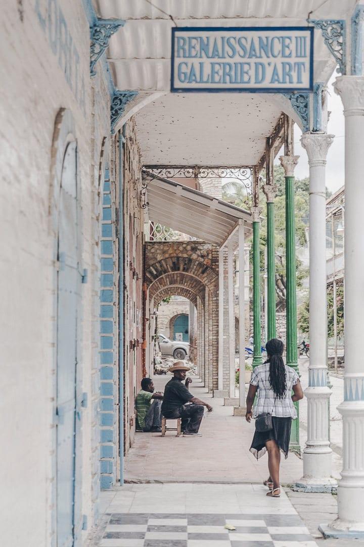 Galerie de l'hotel Florita - Rue du commerce à Jacmel - Haïti