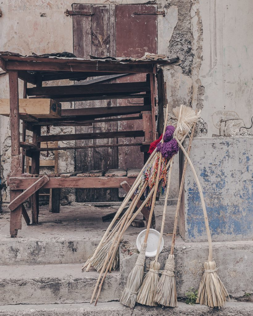 les balais de Jacmel - Haïti