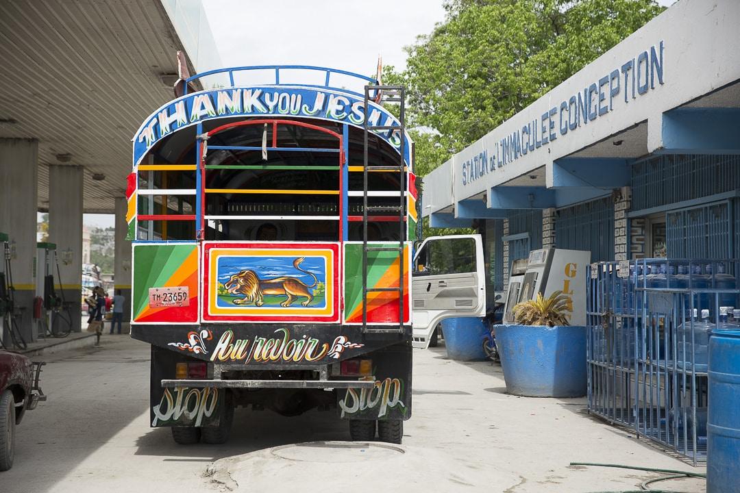 Tap tap sur les routes d'Haiti