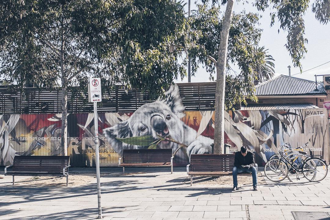 Oeuvre engagée de Dvate à Saint Kilda - Melbourne, Australie