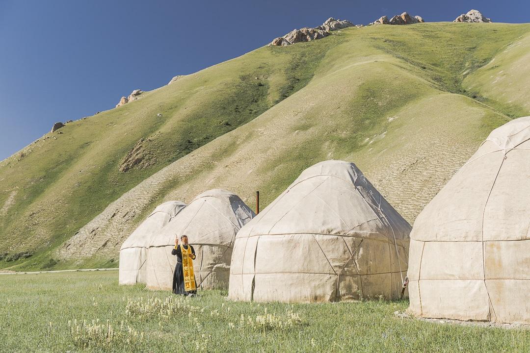 Bénédiction des yourtes - Tach Rabat, Kirghizstan