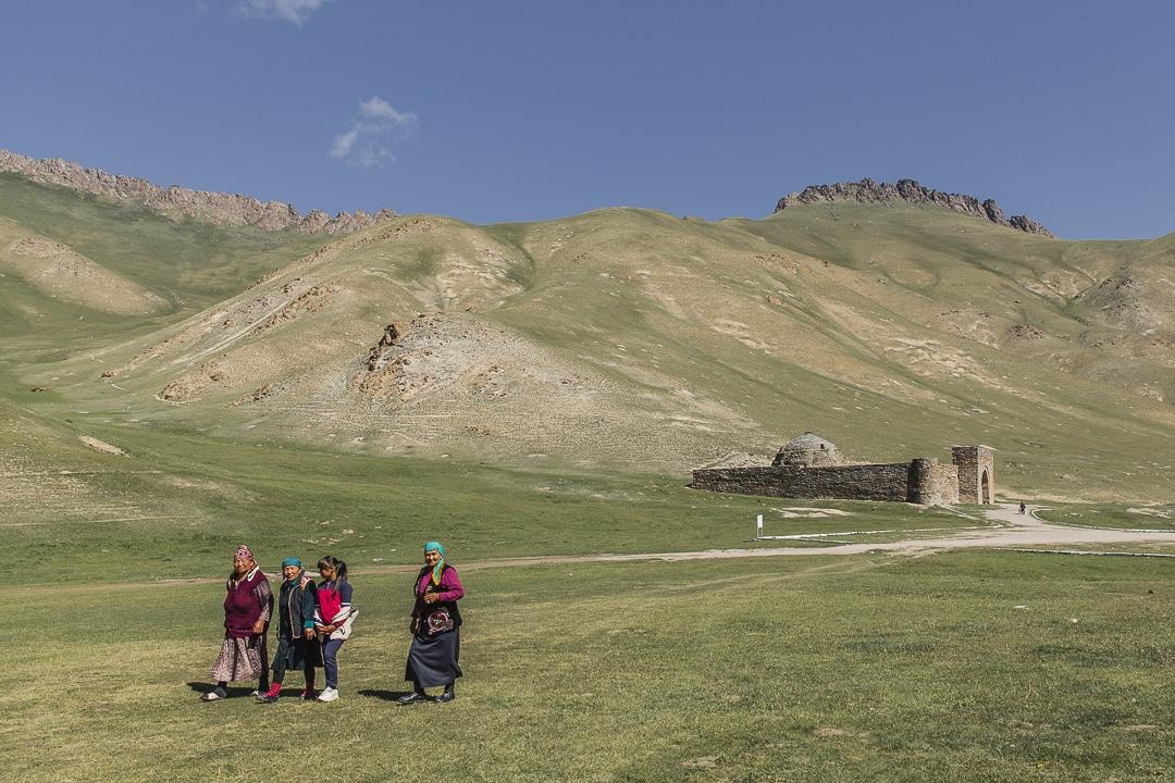 Tach Rabat, un caravanserail situé à plus de 100 km de Naryn, Kirghizstan