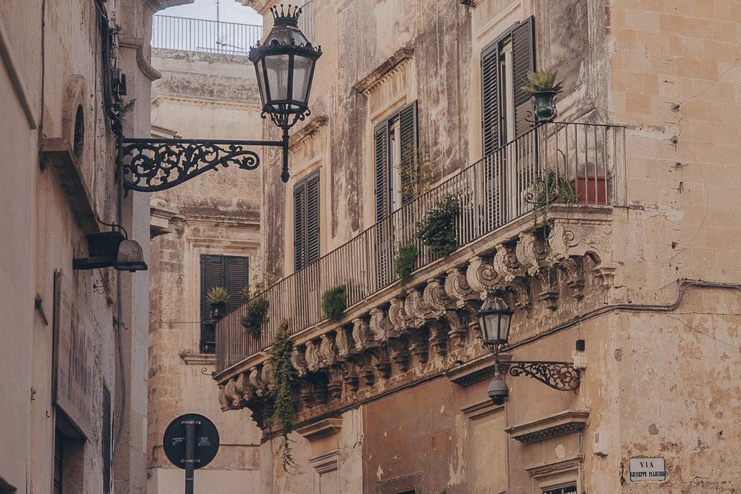 Les superbes balcons de Lecce - Les Pouilles, Italie